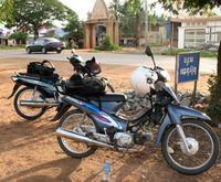 Roadside moto duo